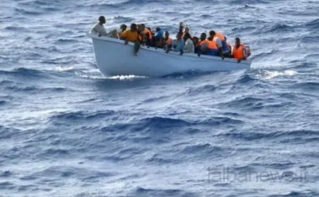 Migranti: 68 subsahariani salvati da Guardia costiera Tunisia